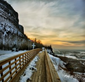 mount-nckay-boardwalk tn-300x288 image