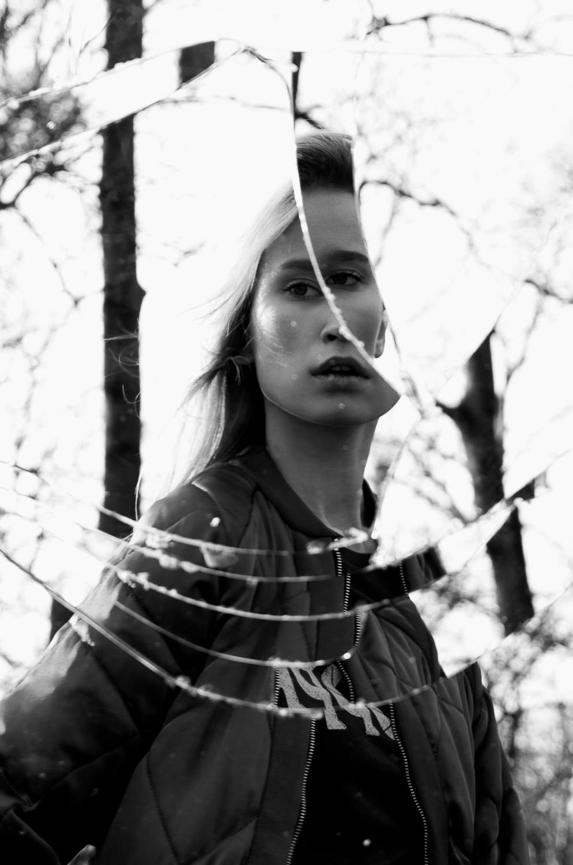 05 Broken Mirror COOPH 001 image