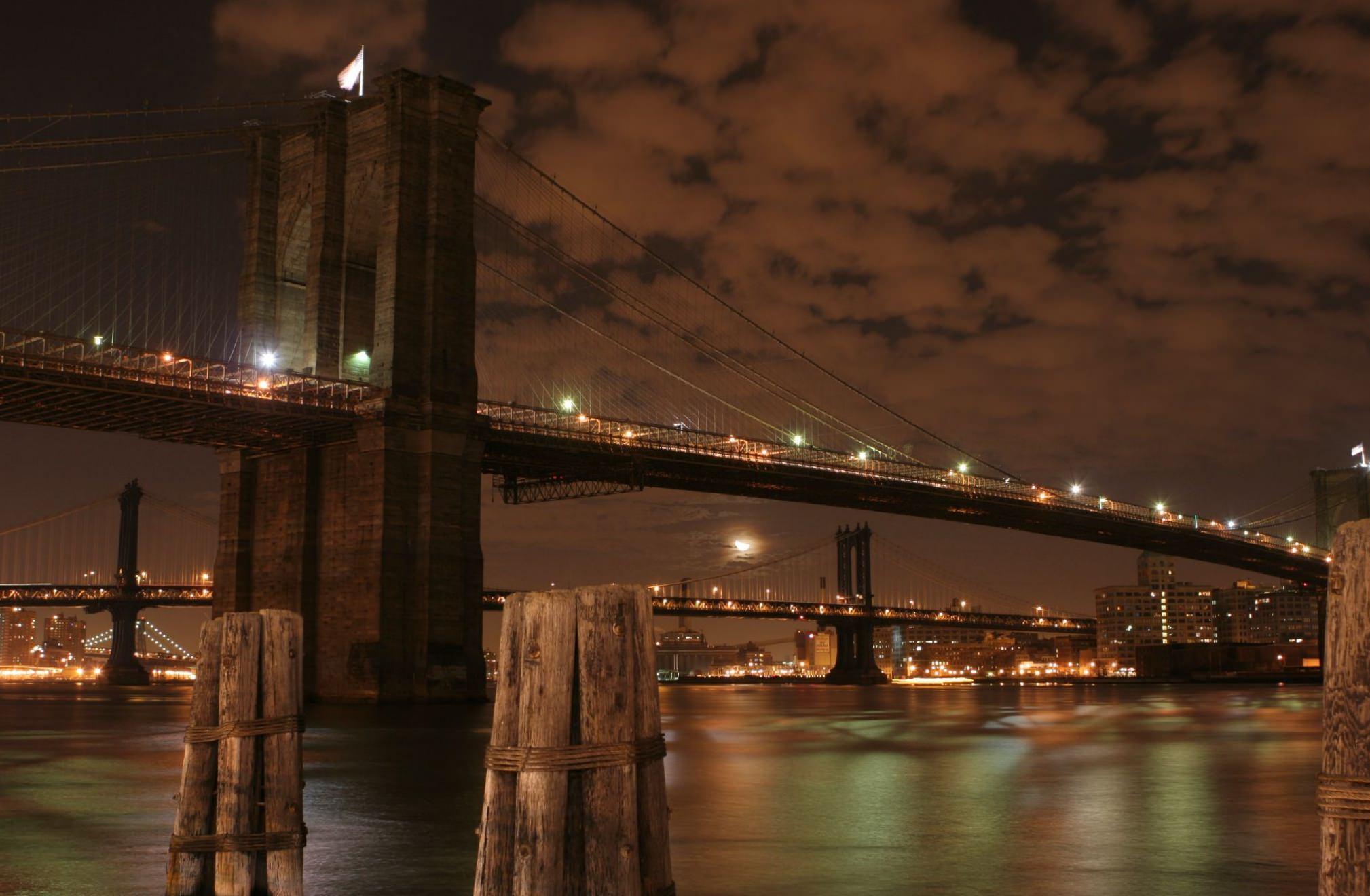 Brooklyn Bridge at Night image