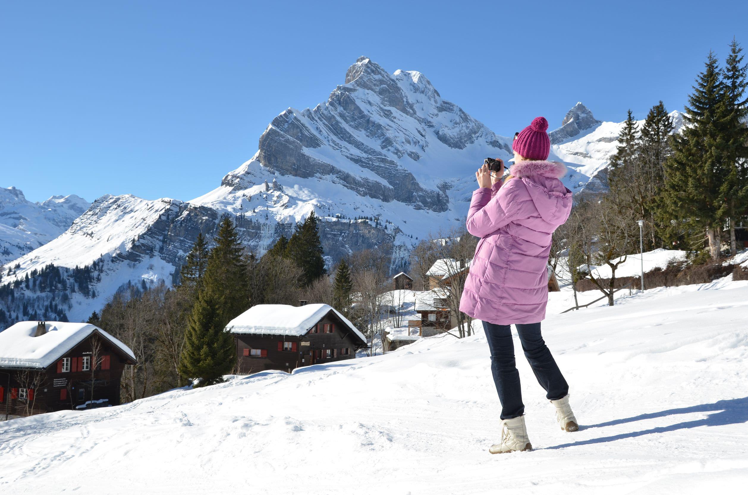 Фото девушки с альп