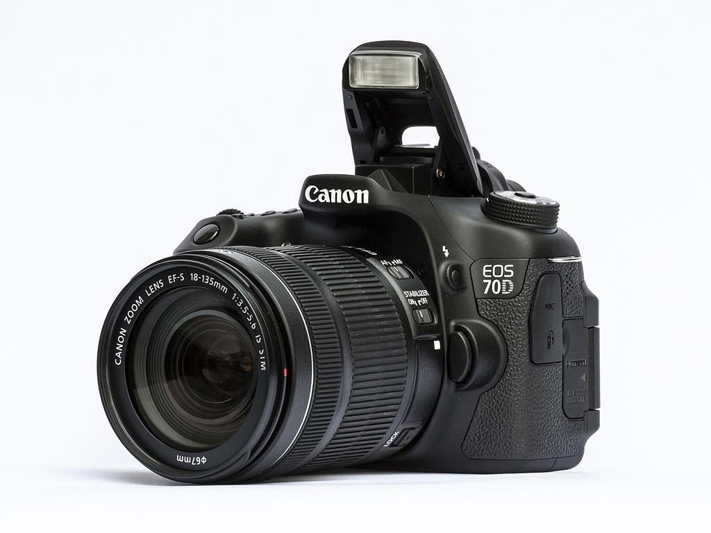 1024px EOS70D 18 135STM flash image