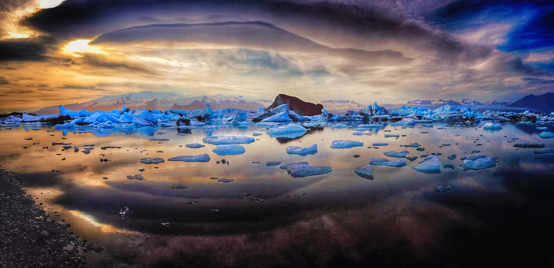 Island Jokulsaron Glacier Lagoon Raymond Gehman image