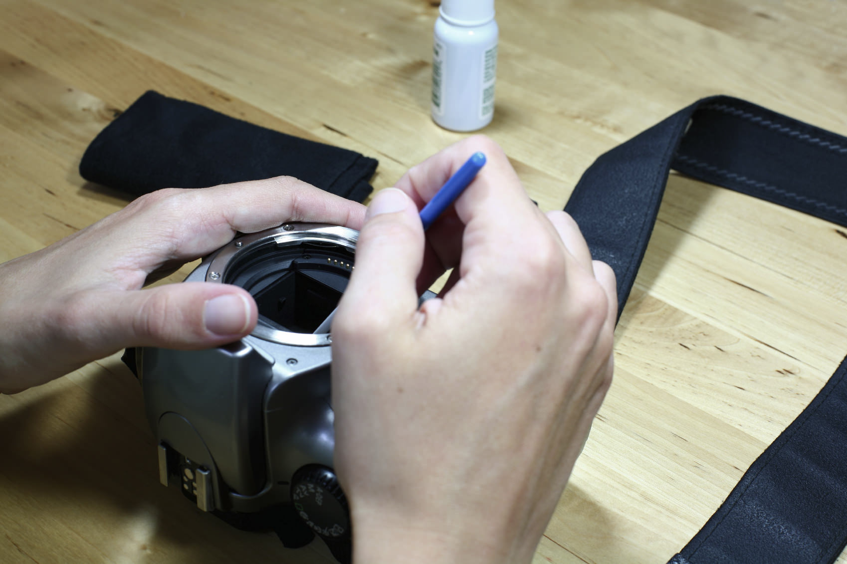 how to tell your camera needs a sensor clean