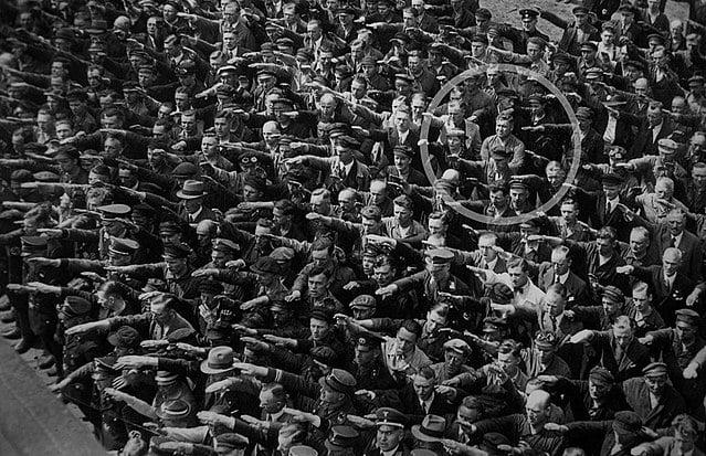 640px August Landmesser Almanya 1936 image