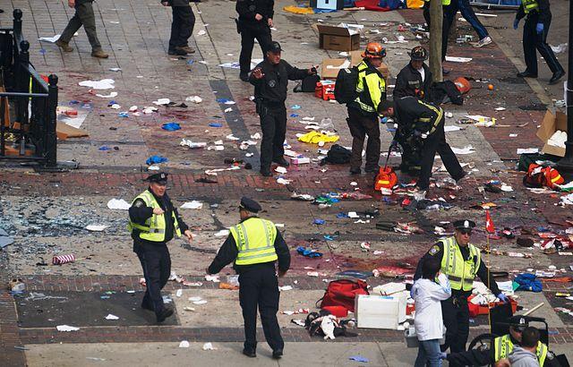 640px Boston Marathon explosions 8652971845 image
