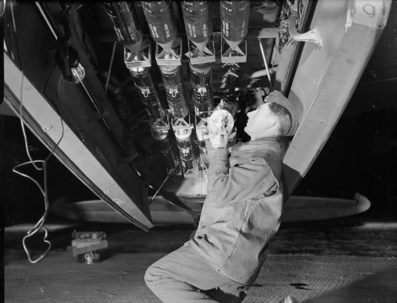 Mosquito photo reconnaissance photoflash bomb loading WWII IWM C 4998 image