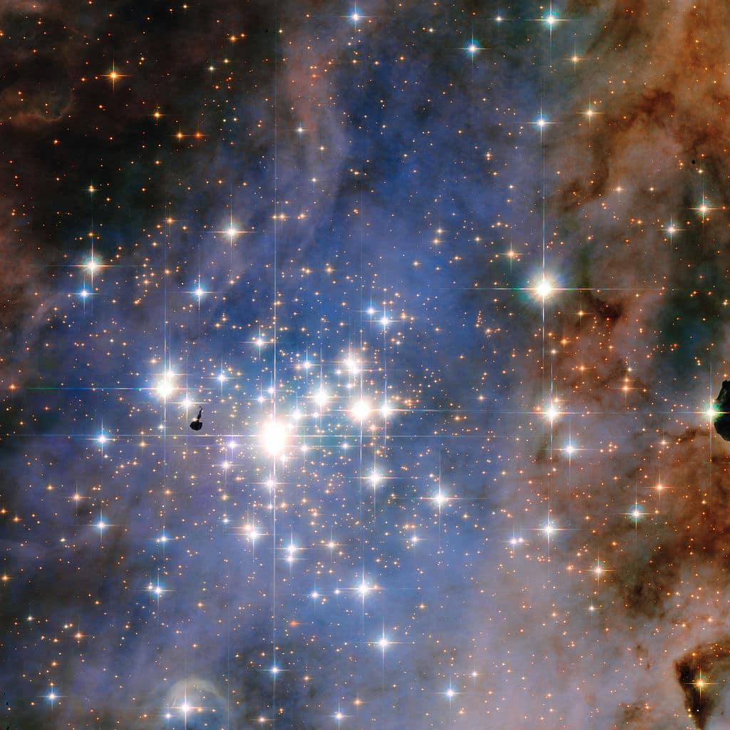 Trumpler 14 by Hubble min image
