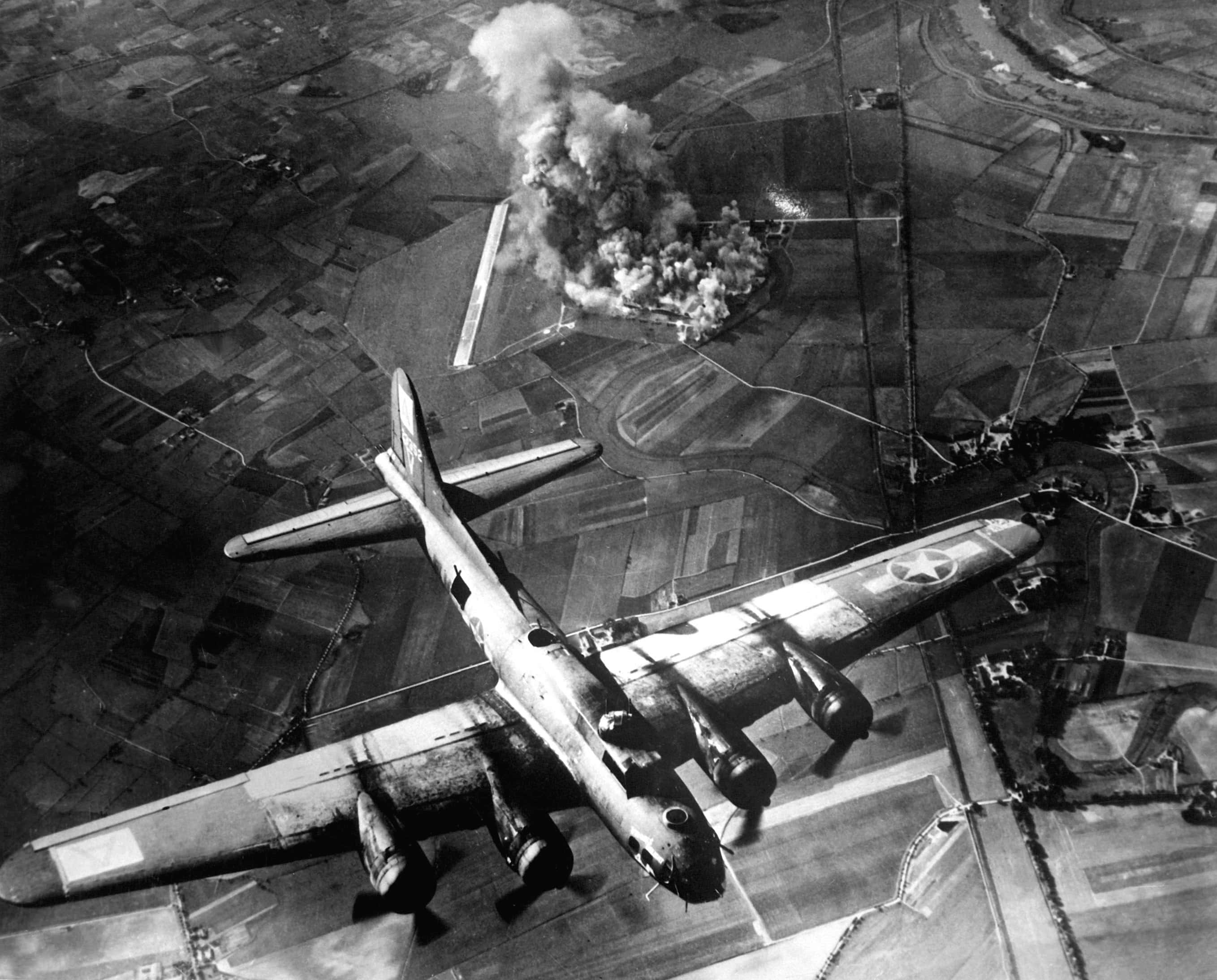 8th AF Bombing Marienburg min image
