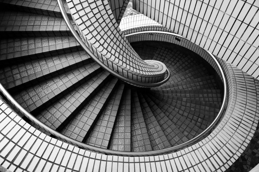 spiral staircase picture id467924502 image
