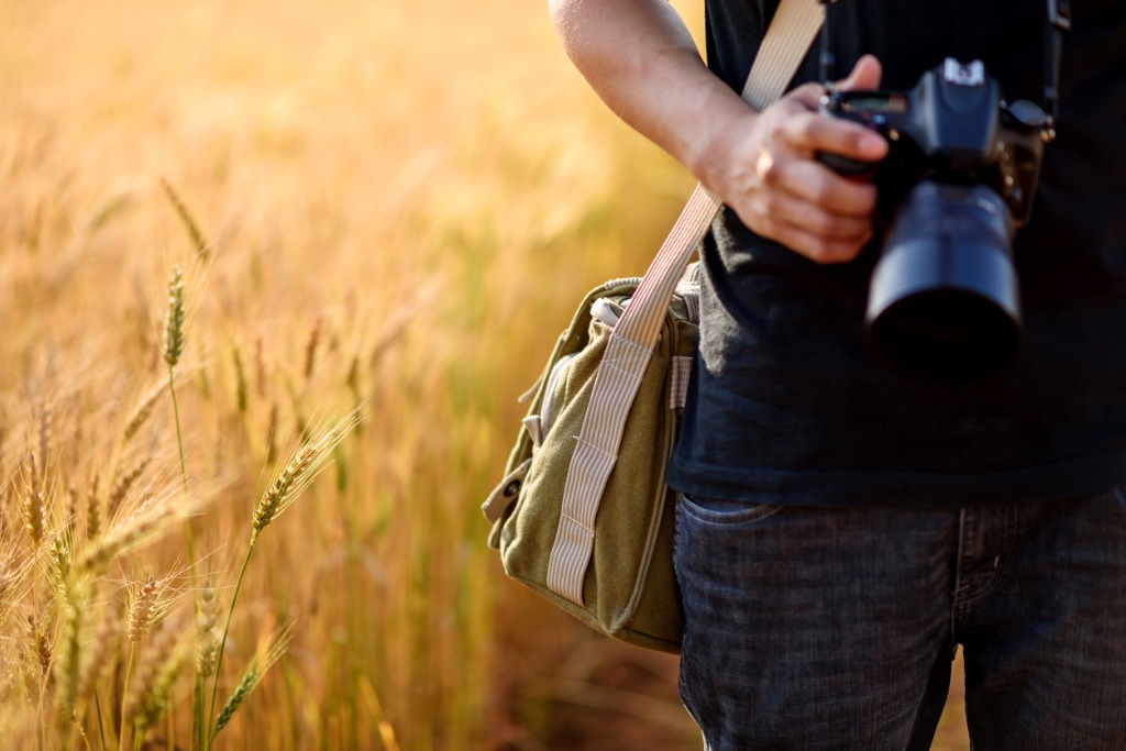photographer in the fields picture id610540792 image