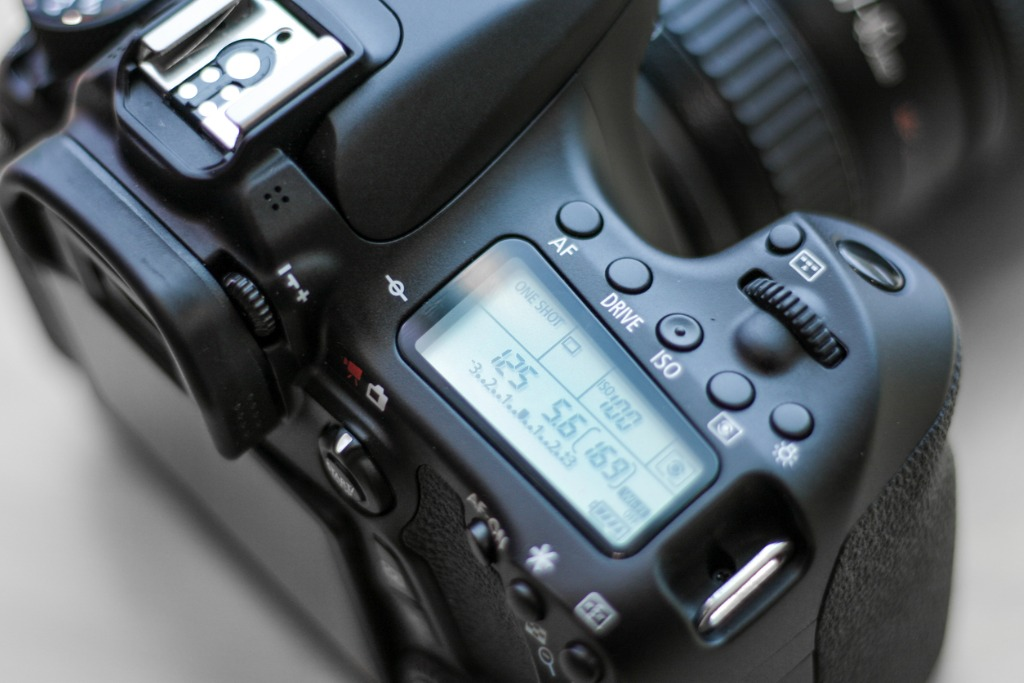 close up of dslr camera with settings display picture id638844692 image