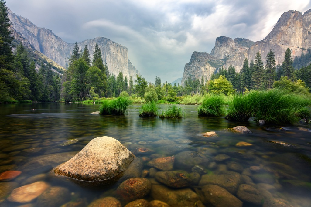 amazing views of el capitan mountain in yosemite valley usa picture id846214266 image