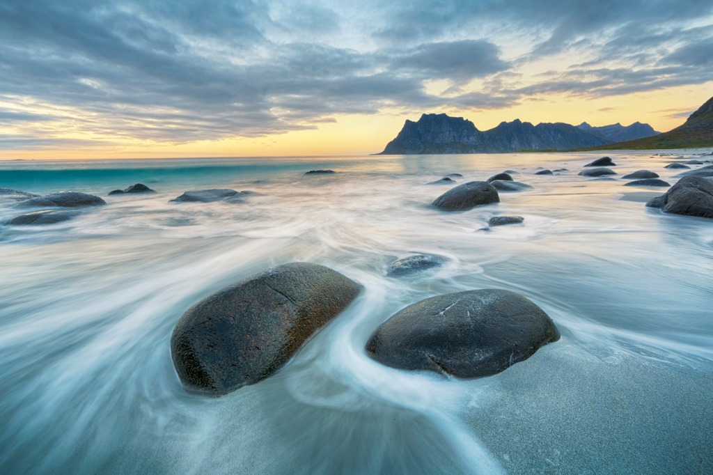 uttakleiv beach lofoten norway picture id619528344 image