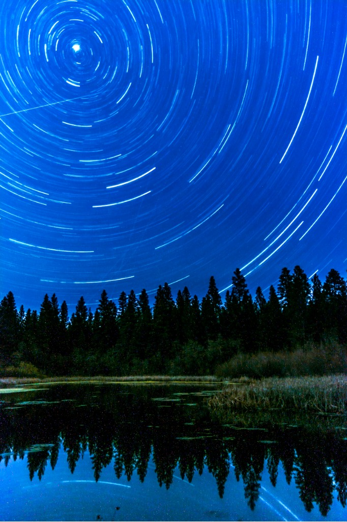 star trail over grace lake northern california picture id931938558