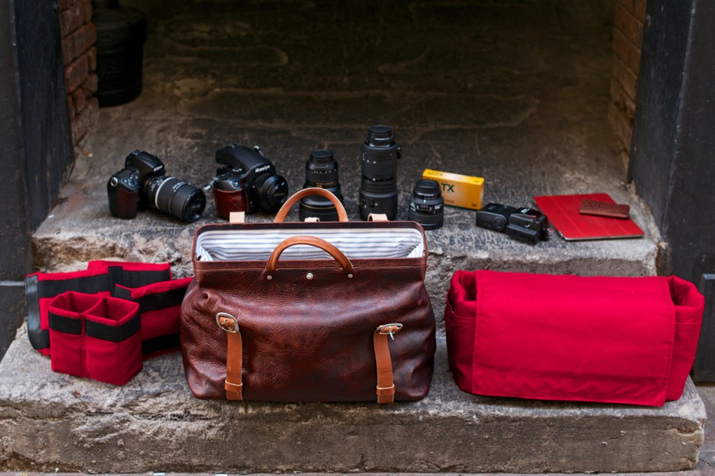 how to pack a camera bag image