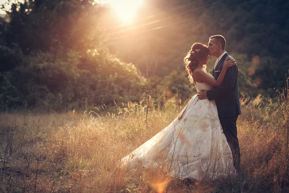 professional wedding photography tips image
