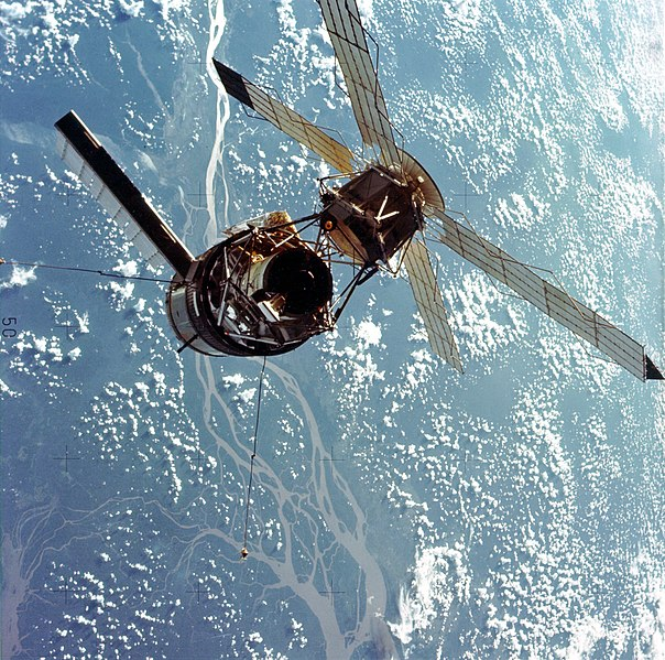 604px Skylab 3 Close Up GPN 2000 001711 image