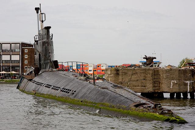 640px B 80 submarine 1 image