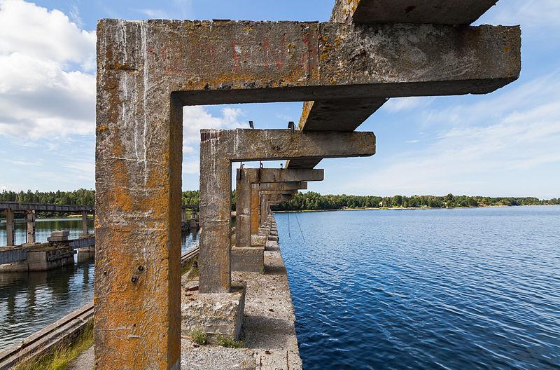 800px Base soviética de submarinos Parque Nacional Lahemaa Estonia 2012 08 12 DD 20 image