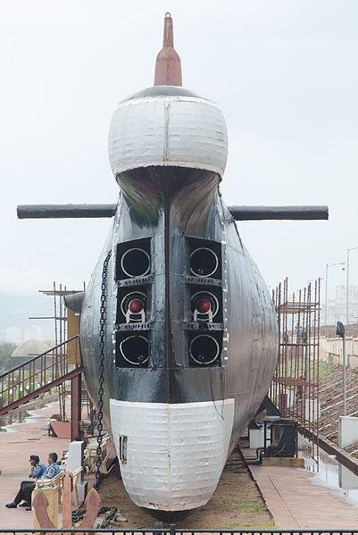 INS Kursura S20 torpedo tubes image