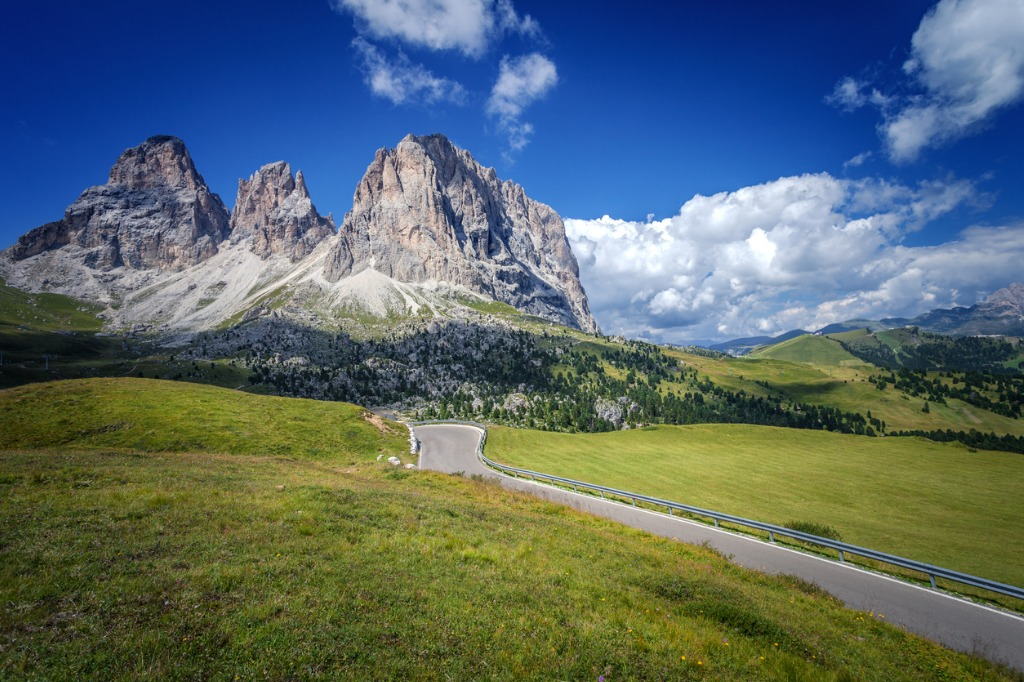 road to the sassolungo group the dolomites italy picture id954241100 image
