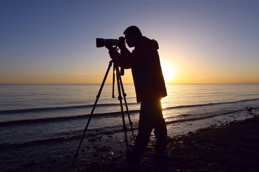silhouette photographer picture id940108056 image