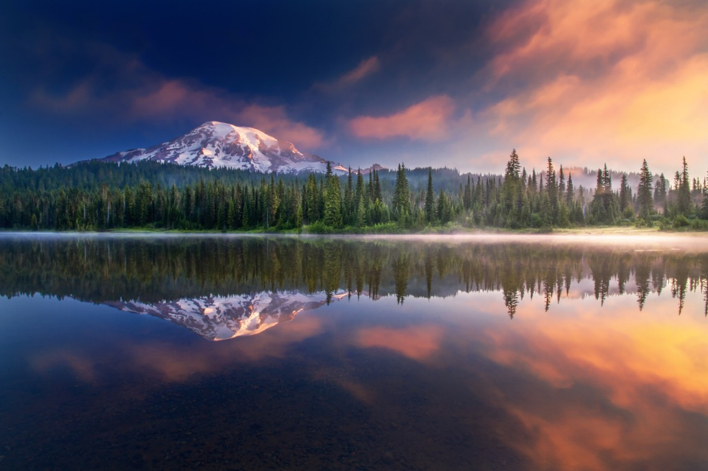 mt rainier and reflections picture id522791586 image