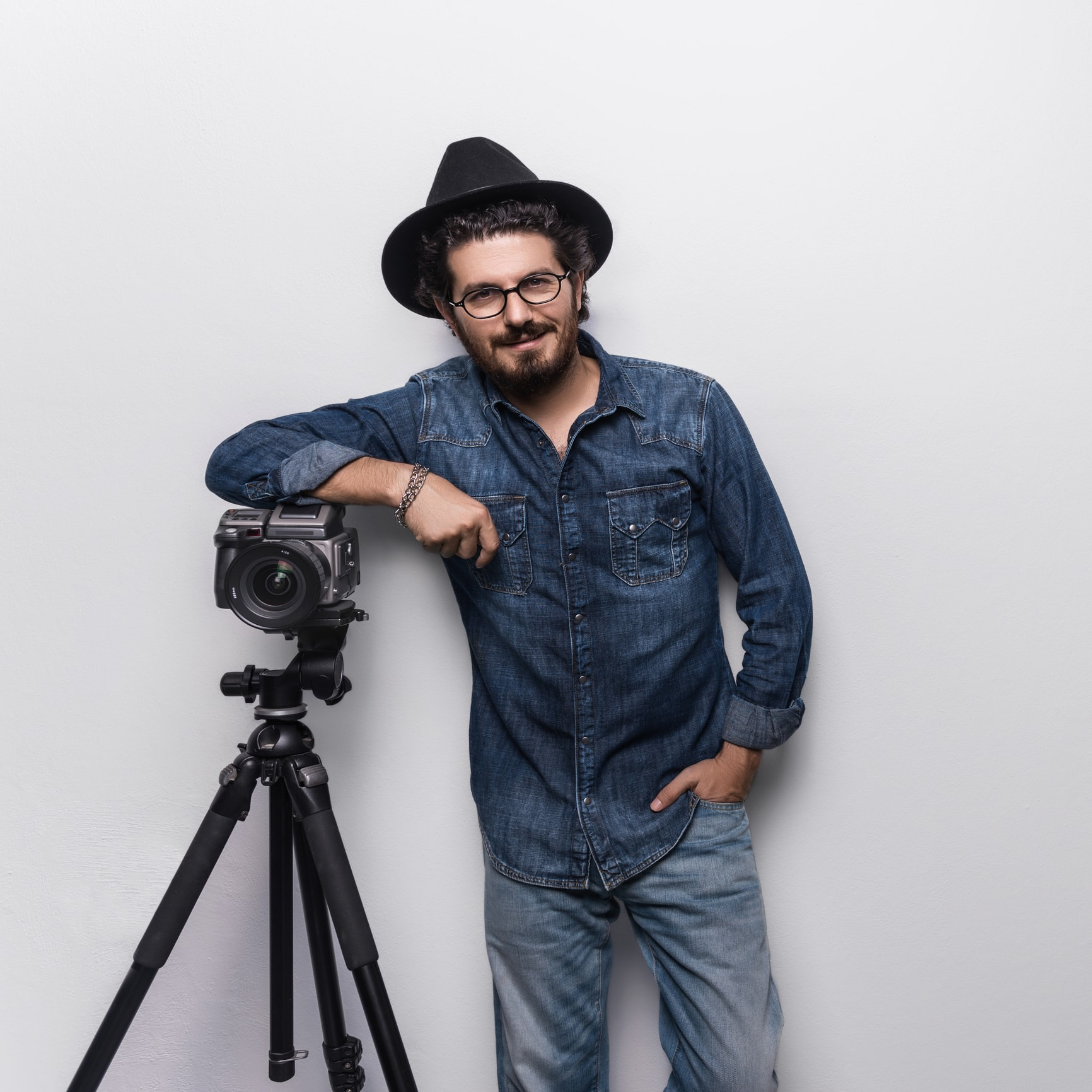 best tripod for portraits image