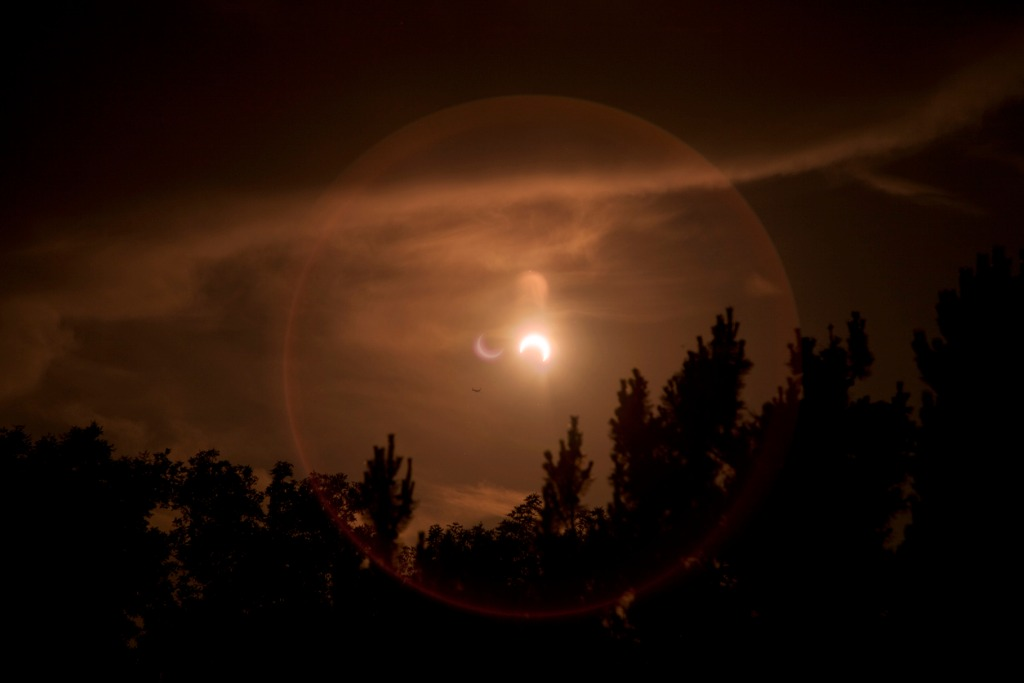 solar eclipse picture id158997010 image