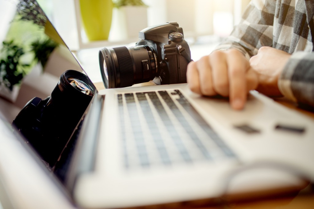 how to start a photography business image