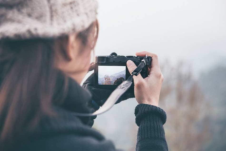 best mirrorless camera lens image
