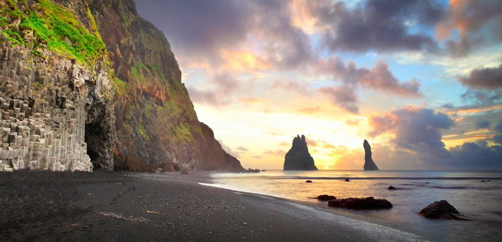 the cliffs at vik in iceland by sunrise picture id637242226 image