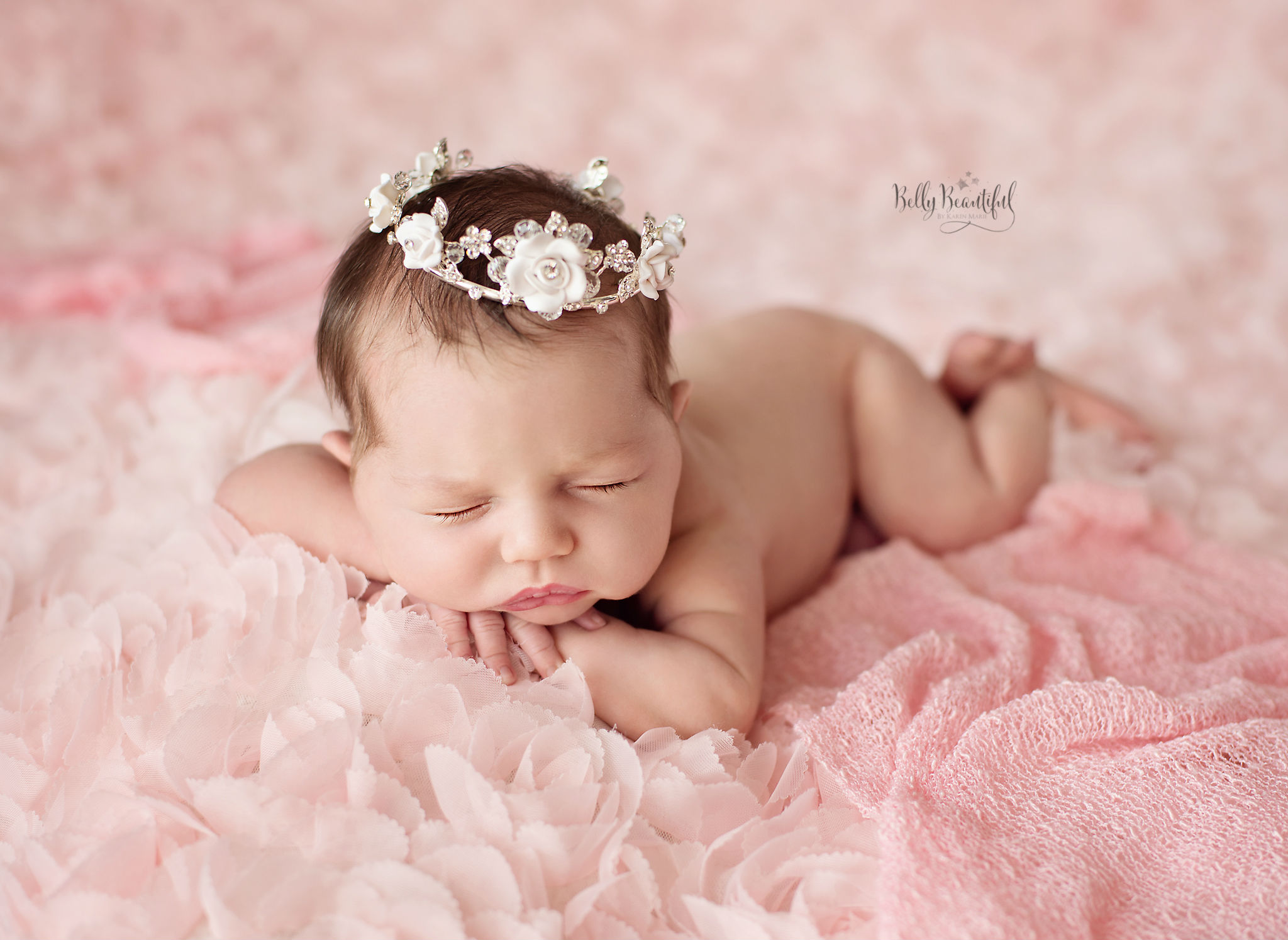 tips for becoming a newborn photographer image