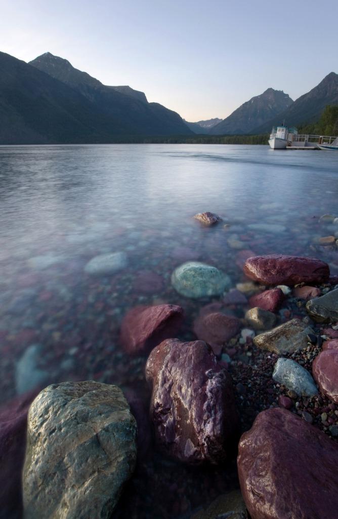 alpine lake picture id121274555 image