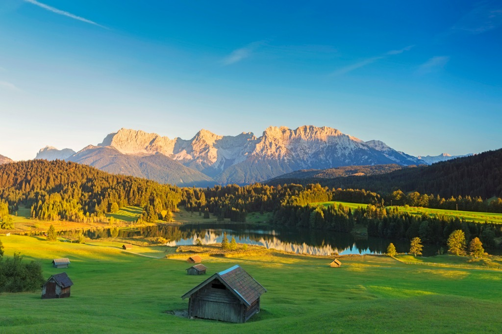 geroldsee at sunset garmisch patenkirchen alps picture id664931928 image