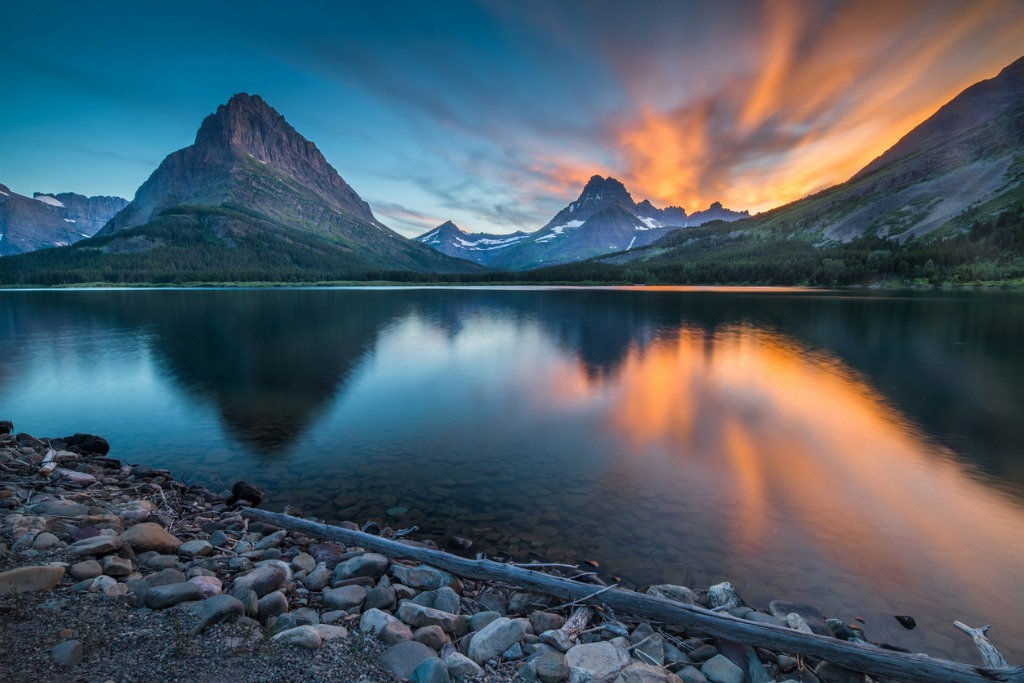 swiftcurrent lake at dawn picture id827324202 image