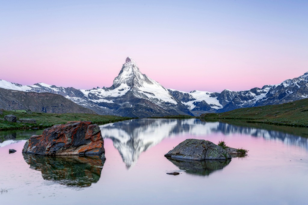 matterhorn at sunrise with stellisee in foreground picture id579407462 image