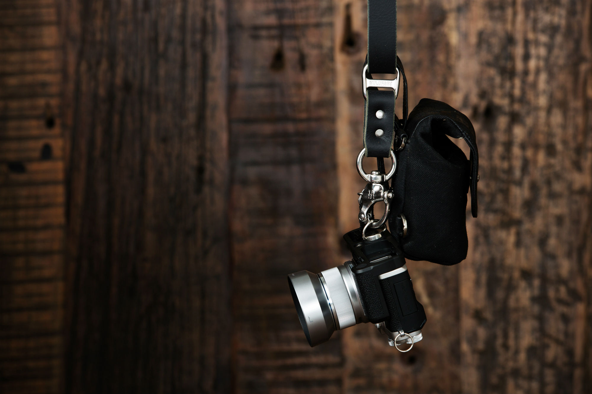 how to carry photography gear image