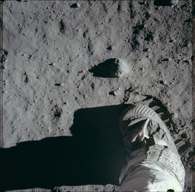 photos from the moon image