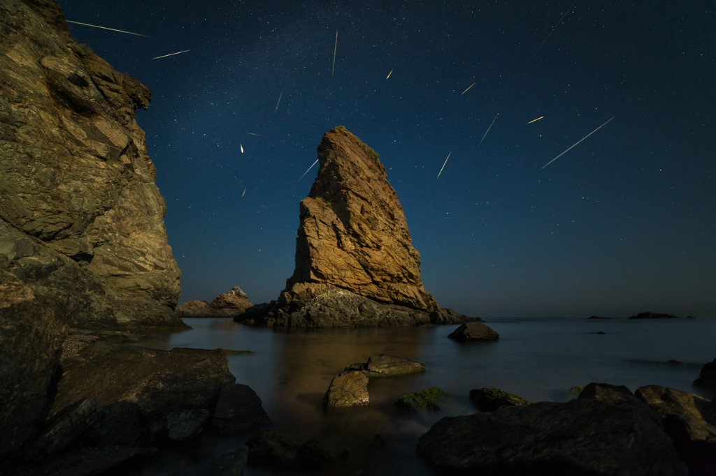 perseid shower picture id841813840 image