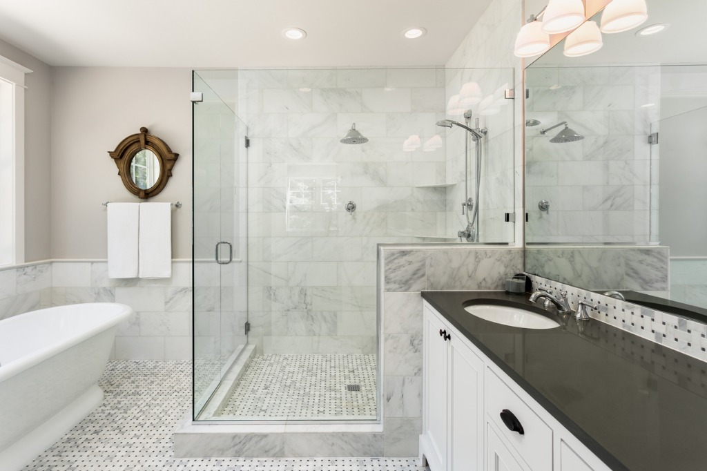 master bathroom in new luxury home picture id542685180