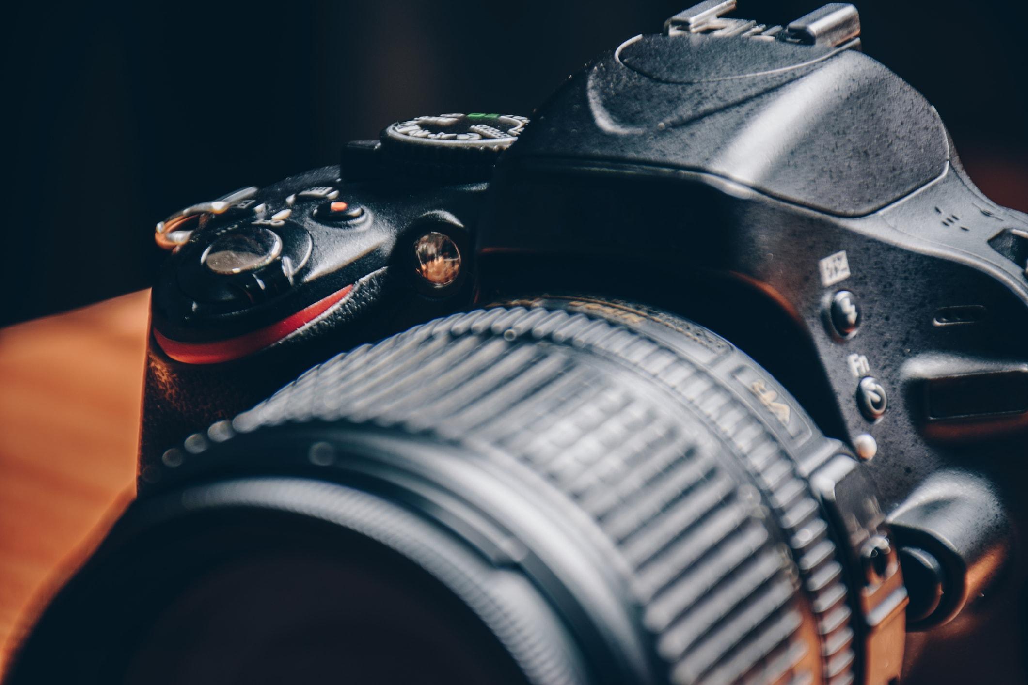 canon mirrorless camera image