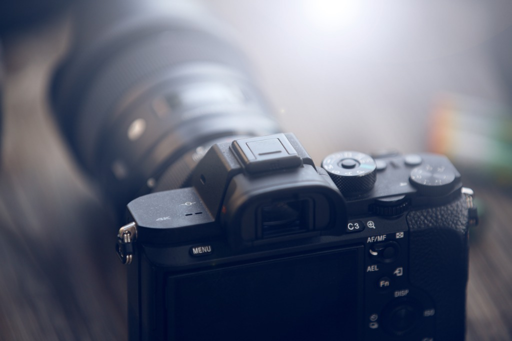 mirrorless camera detail picture id652417414 image