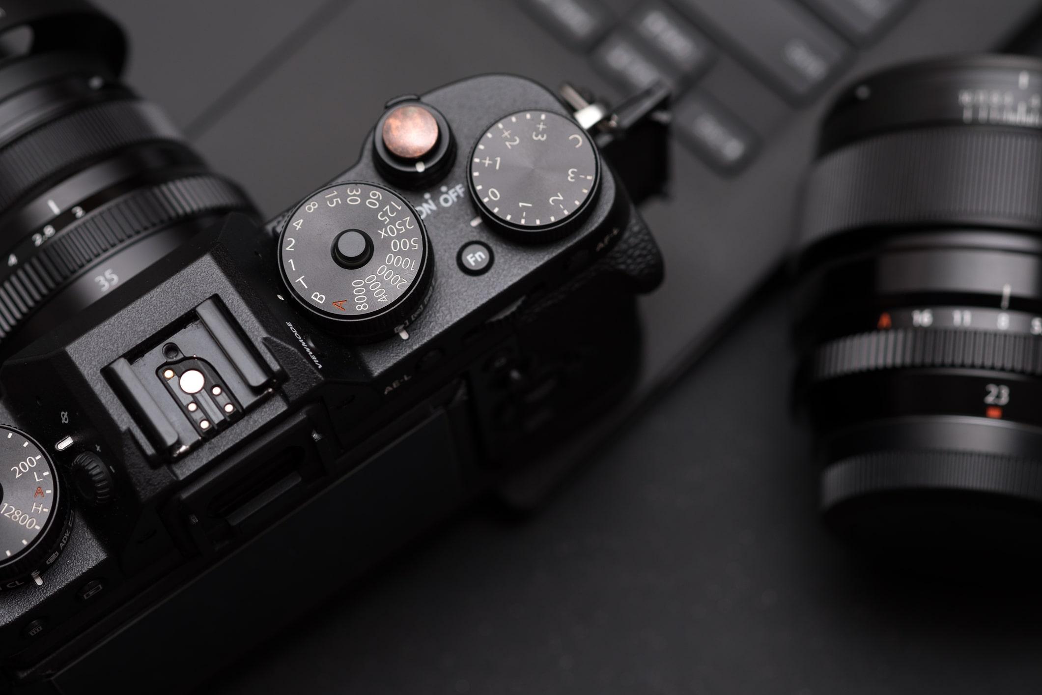 budget mirrorless cameras image