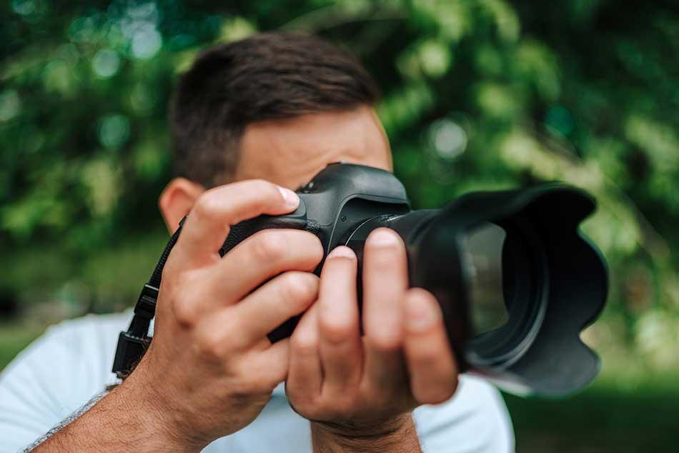 advantages of 50mm lens advantages of 85mm lens image