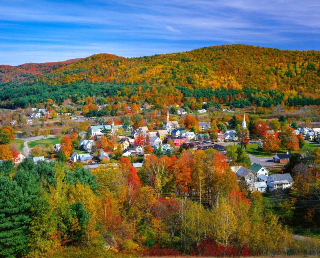 autumn country village in the green mountains of vermont picture id488912494 image