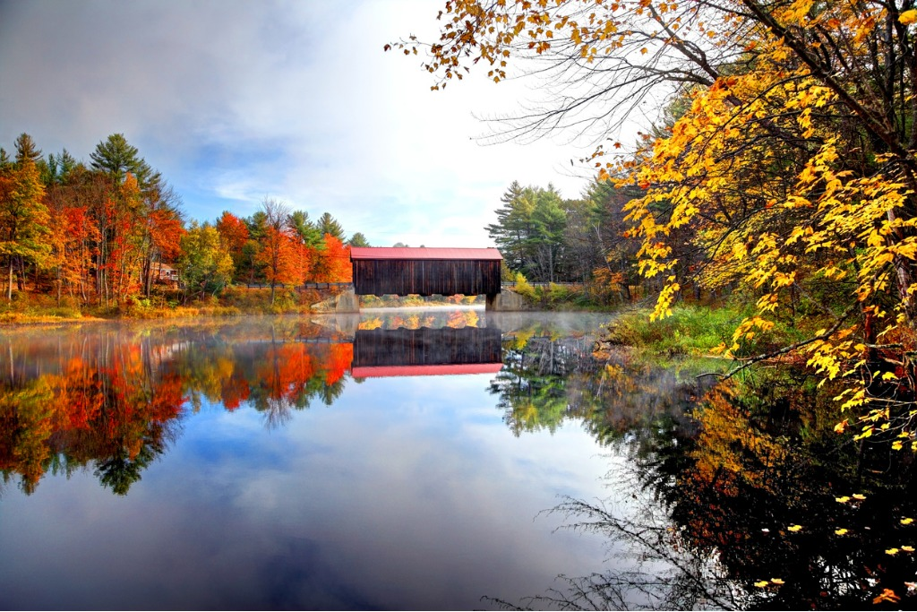 county covered bridge in new hampshire picture id513957667 image