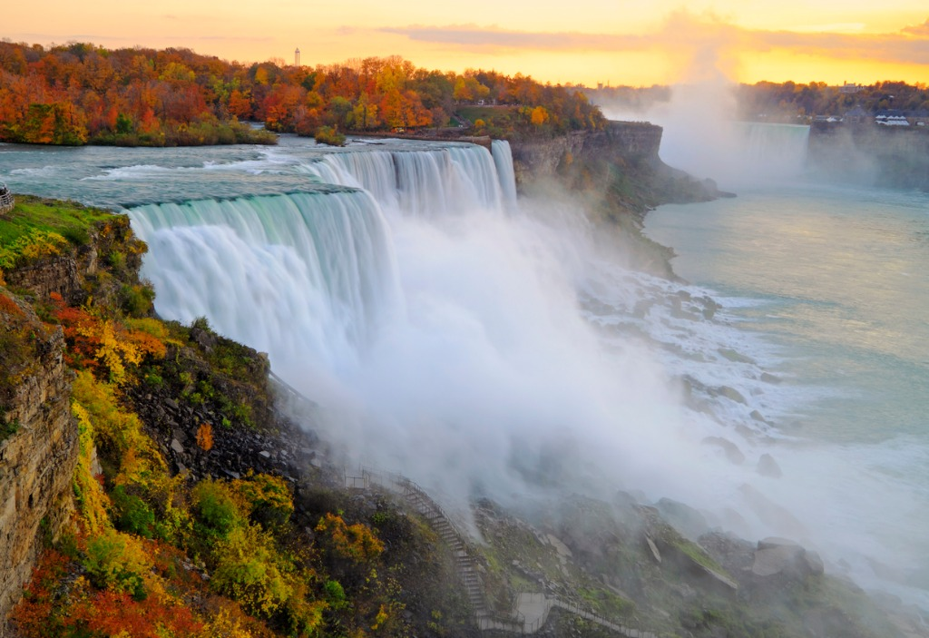 niagara falls autumn sunset picture id171587080 1 image