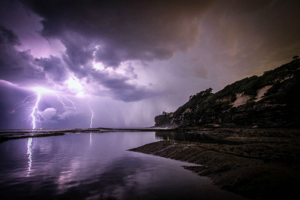 photographing thunderstorms image