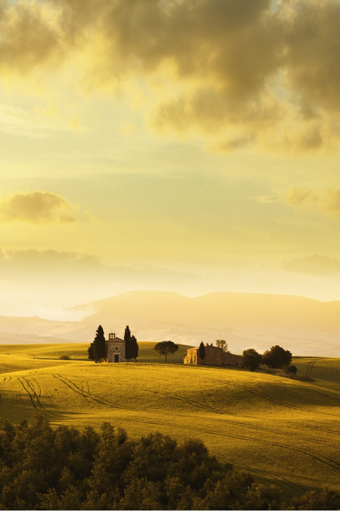 cappella di vitaleta in tuscany italy picture id853738248 image